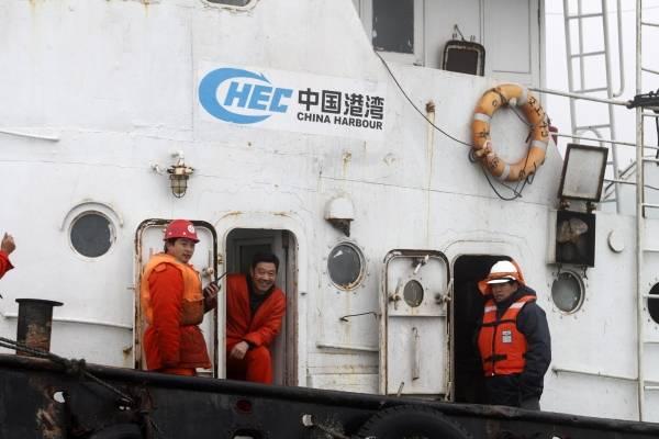 """Megatiburón"" al ataque en aguas chilenas: flota china empezó a pescar calamares frente a costas de Temuco"