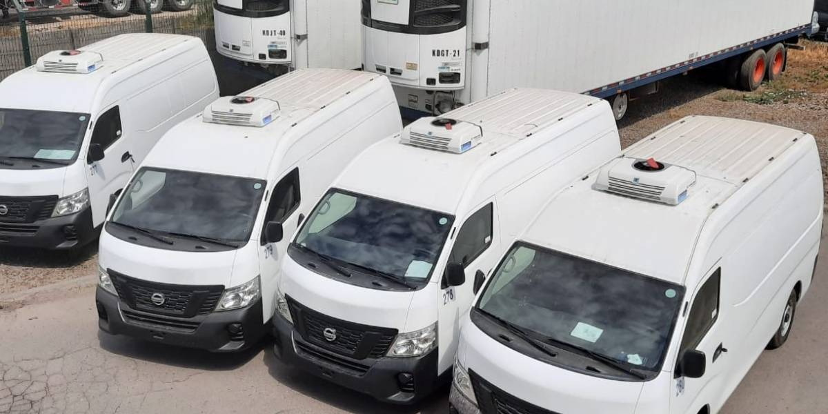 Nissan entrega flota de cinco unidades NV350 a Chibra