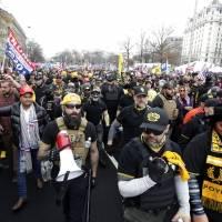 Tensión en Washington durante marchas de seguidores de Trump