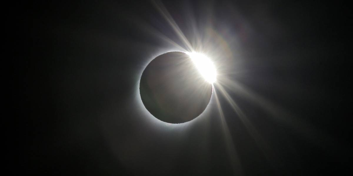 Eclipse de sol: reiteran graves peligros de daño ocular si no se adoptan precauciones adecuadas