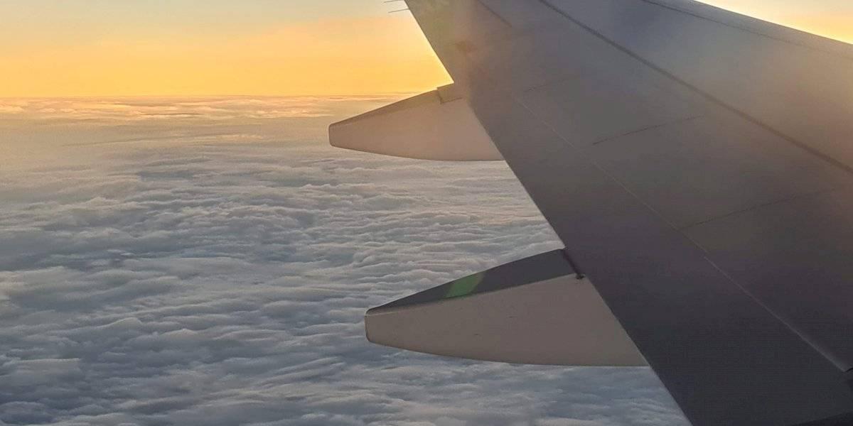 Así fue la experiencia de perseguir la penumbra del eclipse en un avión piloteado por un astronauta