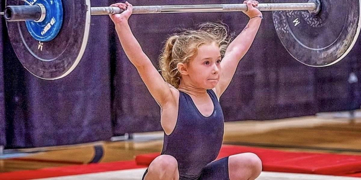 La niña más fuerte del mundo: tiene 7 años y levanta 176 libras