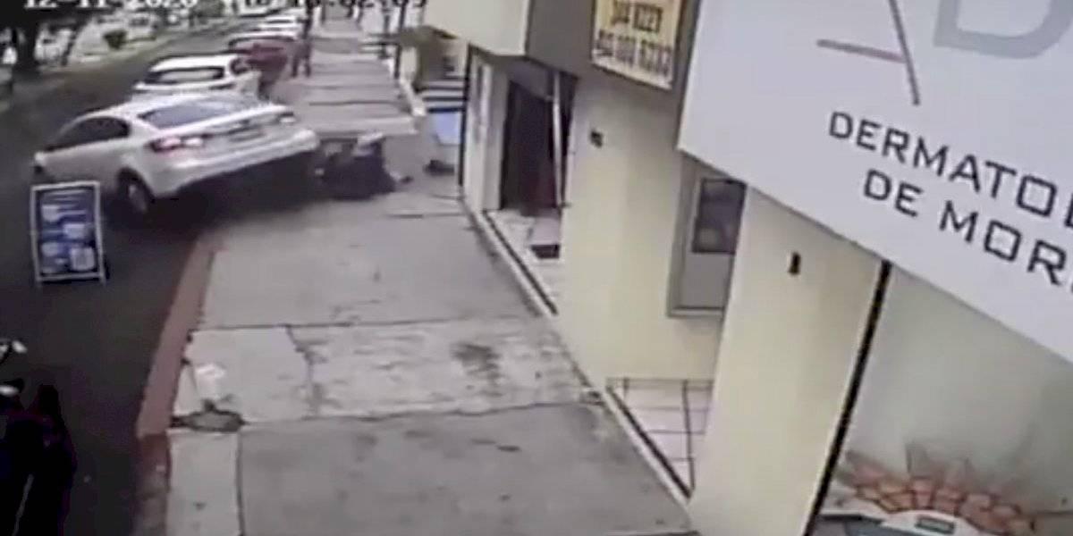 Intentaron ponerle puertas, pero regresó por los criminales y corrió tras ellos.