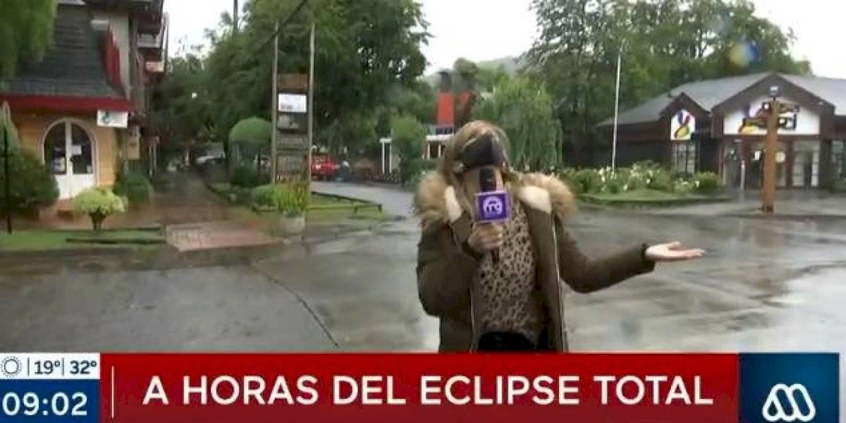 """Diana Bolocco hace danza """"para detener la lluvia"""" en la zona del eclipse"""