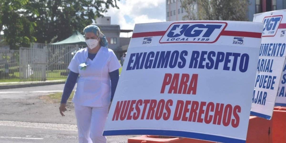 Empleados de HIMA San Pablo en Caguas protestan para exigir bono de Navidad