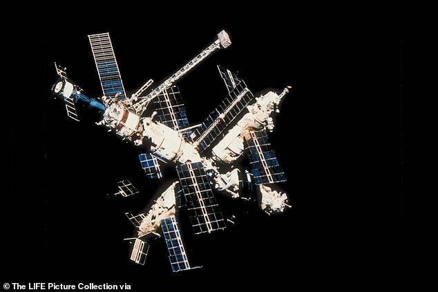 La estación espacial rusa MIR.