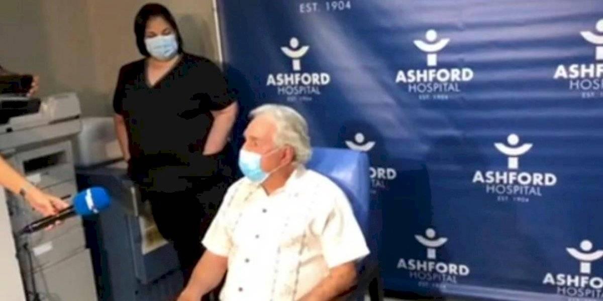 Se vacunan las primeras dos personas en Puerto Rico