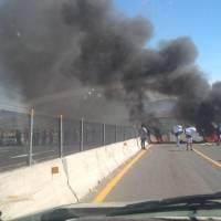 Habitantes de Apaseo el Alto cierran carretera y exigen cuartel de la Guardia Nacional