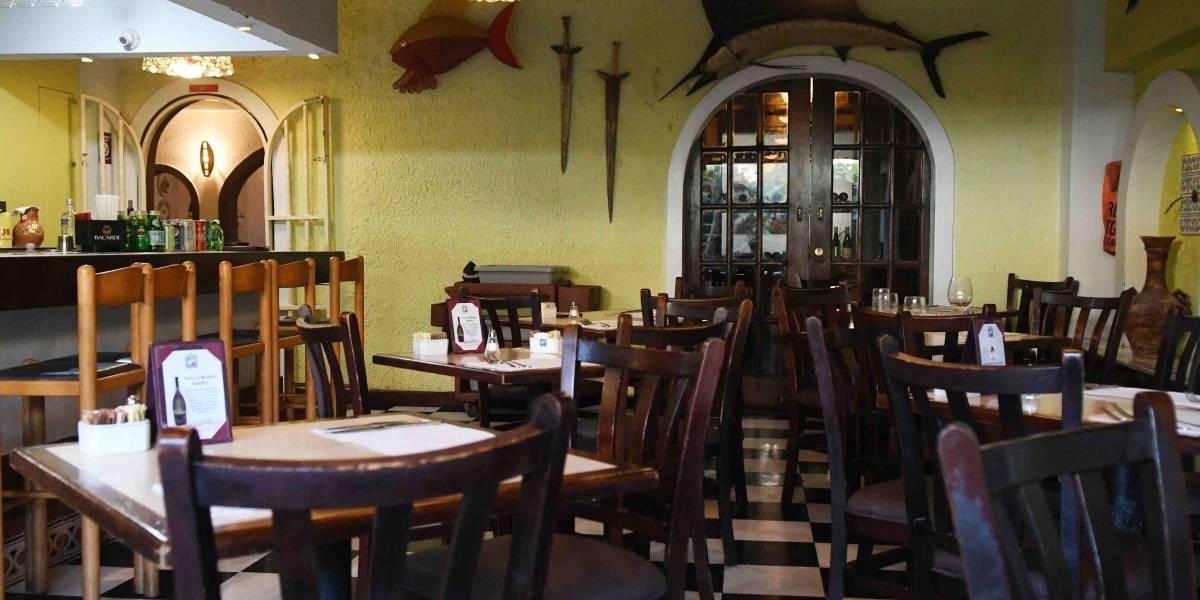 Restaurantes urgen a la gobernadora poder abrir salones comedores y vender bebidas los siete días
