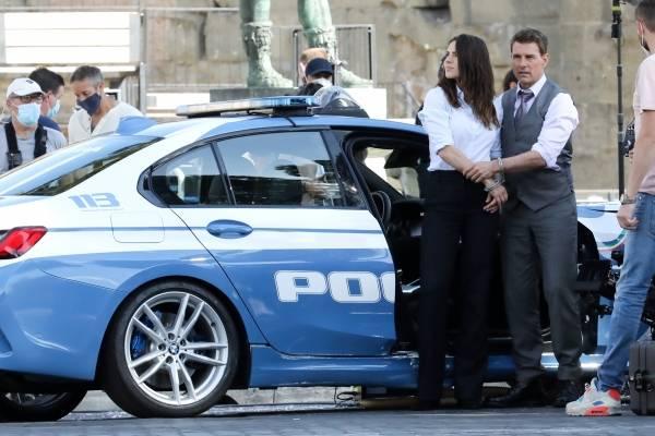 """¿Nació el amor en el rodaje? Tom Cruise fue captado saliendo con Hayley Atwell, la coprotagonista de """"Misión Imposible 7"""""""