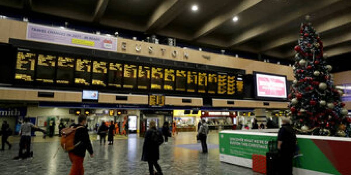 Europa aísla a Inglaterra por temor a nueva cepa de covid: cierran sus aeropuertos y estaciones de trenes