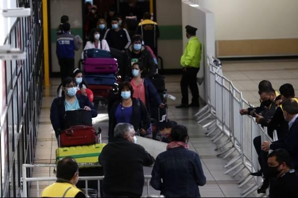 Chile prohíbe vuelos desde y hacia el Reino Unido y niega ingreso de quienes estuvieron en ese país en los últimos 14 días