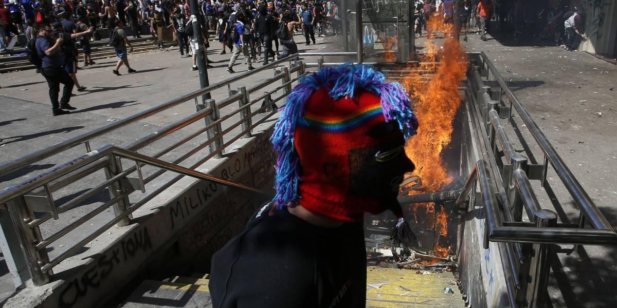 Estallido social: condenan a 4 años de libertad vigilada a imputado por lanzar bombas molotov en el Metro