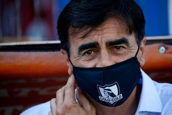 """Quinteros levanta las dudas sobre el Campeonato: """"Hay algo raro contra Colo Colo y me preocupa"""""""