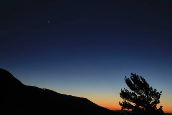Estrella de Belén: así podrás disfrutar este lunes de la gran conjunción de Júpiter y Saturno