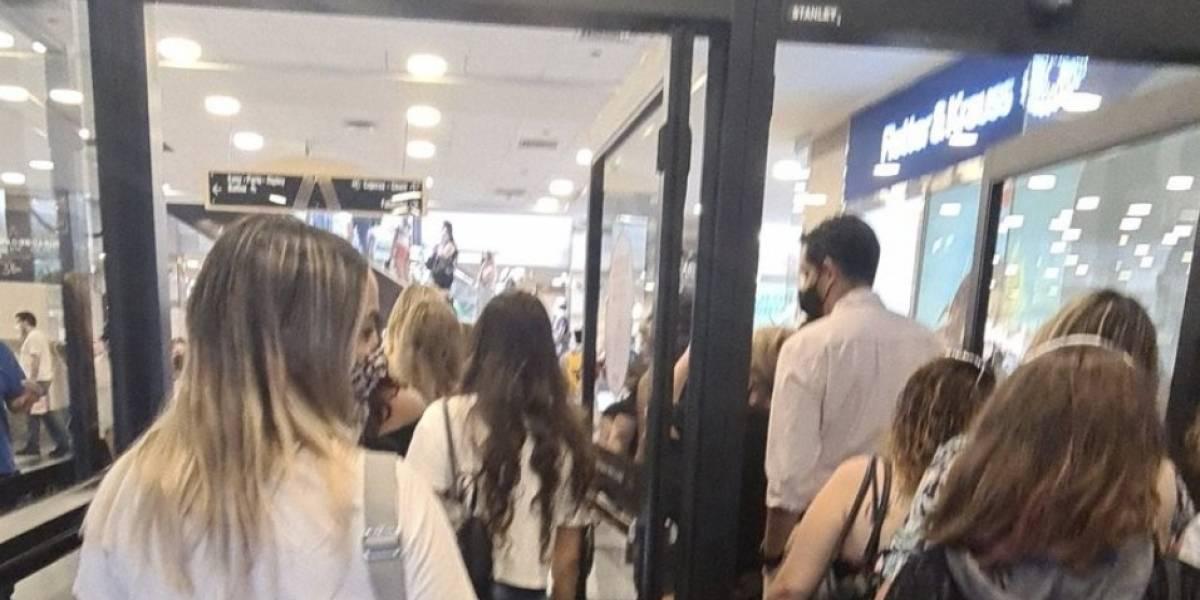 Locura total: cierran mall El Trébol en Talcahuano y filas en Santiago son enormes