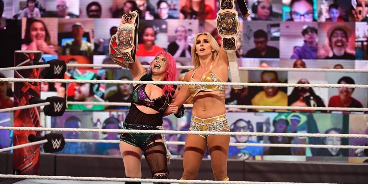 Charlotte Flair: Un implante de seno la alejó seis meses del ring