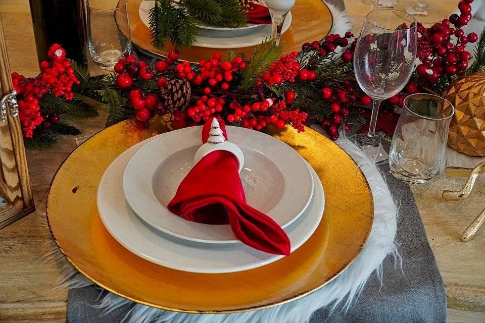 La mesa navideña es el punto focal de gran impacto la Nochebuena.