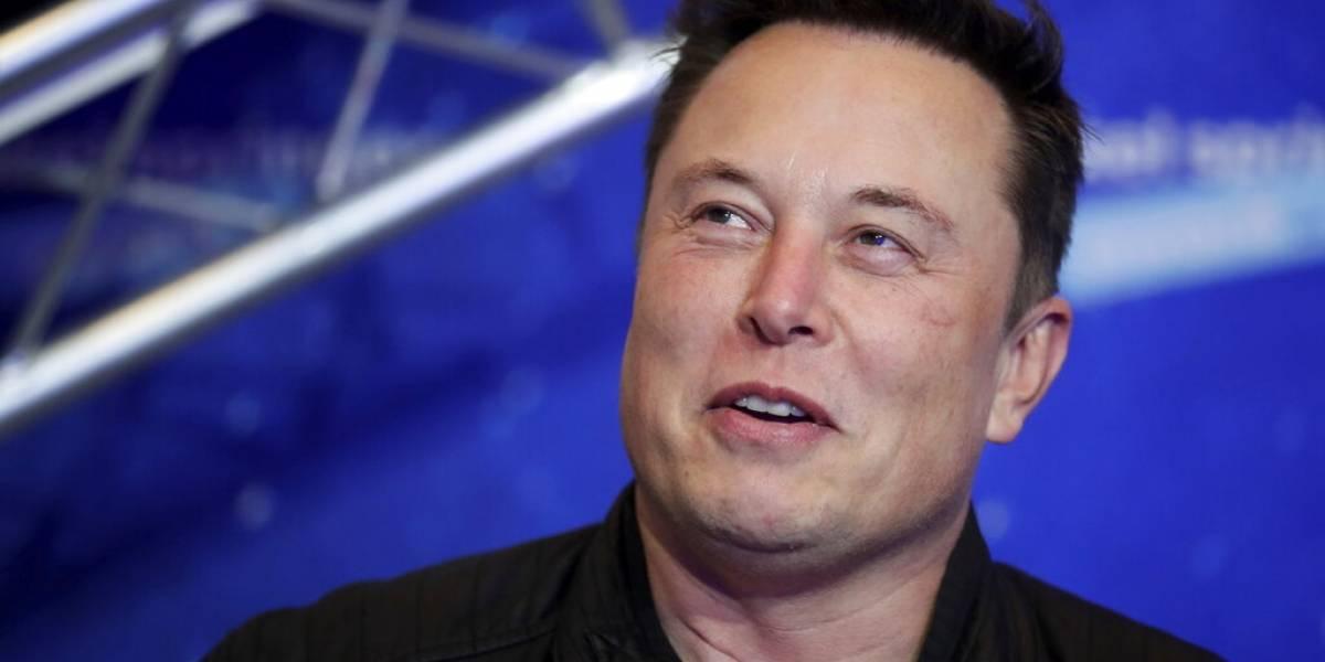 Elon Musk admite que Apple no aceptó reunión para comprar a Tesla
