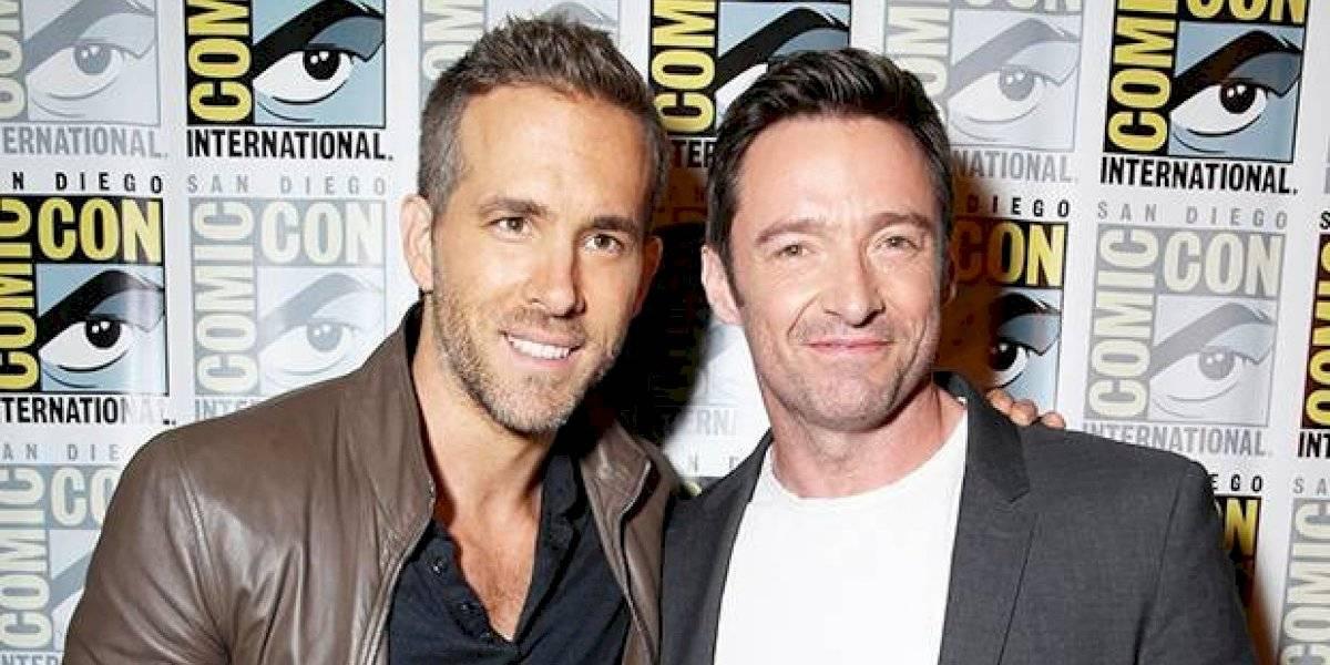 """Hugh Jackman engaña a Ryan Reynolds en evento de caridad: """"Todo el mundo te odia"""""""