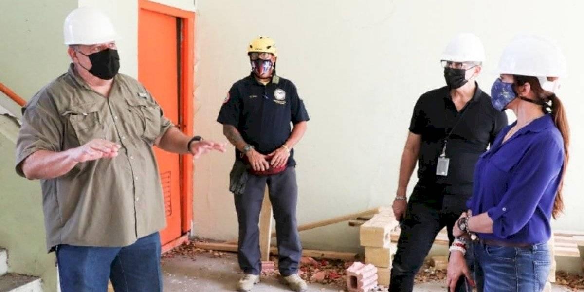 Inspeccionan escuelas afectadas por sismos en el sur de Puerto Rico