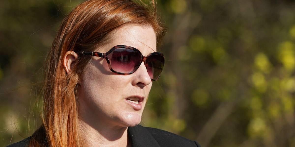 Acusan a mujer por enviar fotos de cuerpo mutilado a funcionaria electoral en EEUU