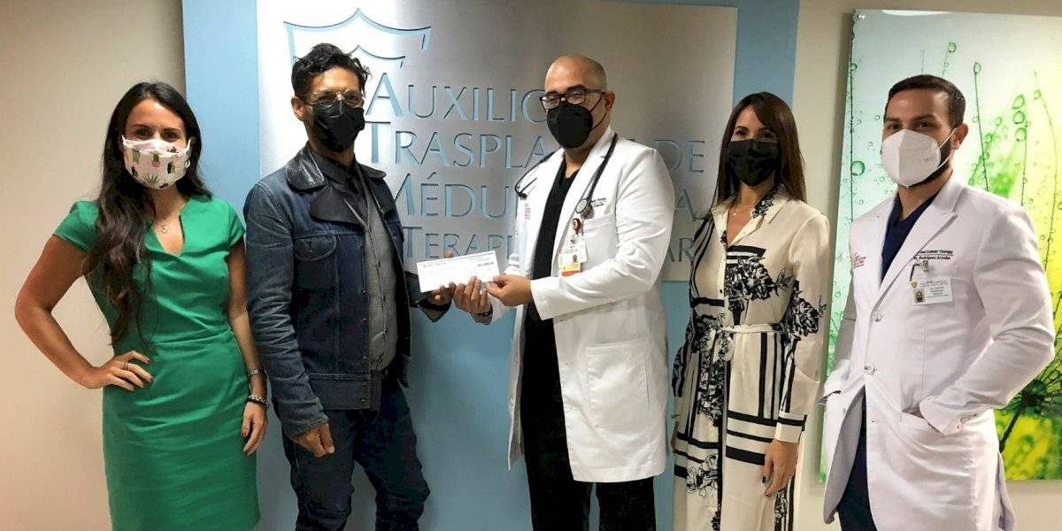 Draco Rosa y su fundación hacen donativo a programa de transplante de médula ósea