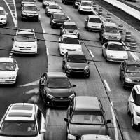 Gobierno incumple con ley que le ordena hacer transición a vehículos menos contaminantes
