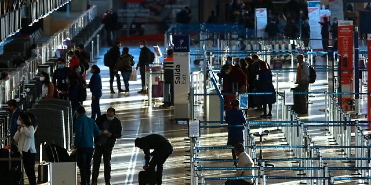 Hombre colombiano fue detenido en el aeropuerto al intentar ingresar con PCR falso