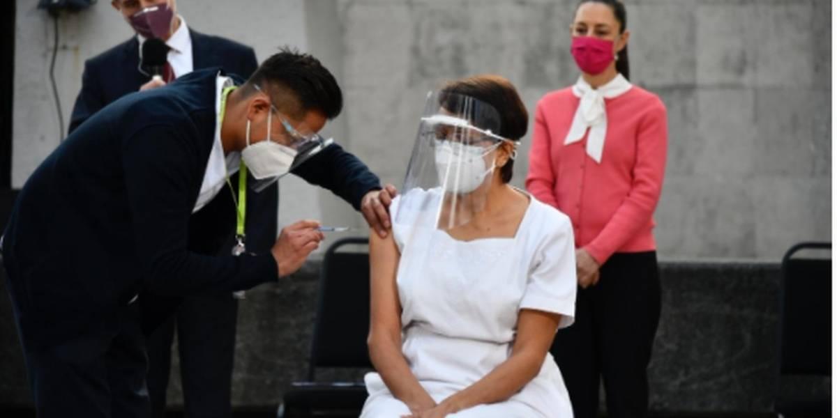 Así se vivieron las primeras vacunaciones contra el coronavirus en México
