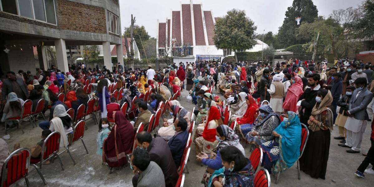 Navidad en pandemia: iglesias cerradas, fronteras difíciles
