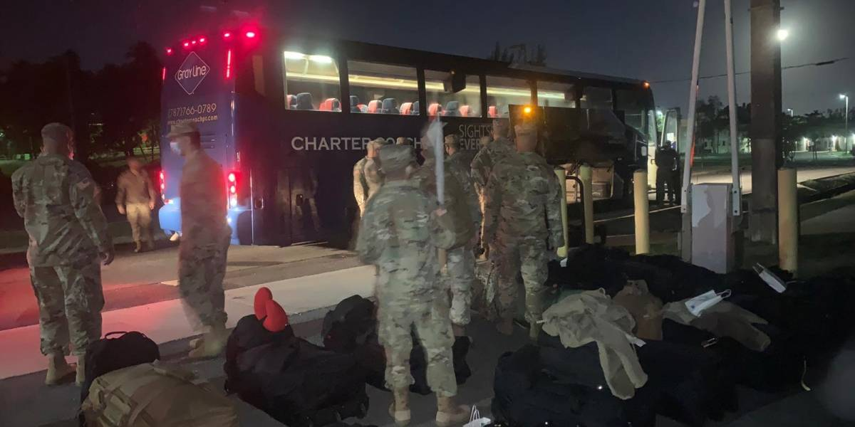 Soldados boricuas parten hacia Irak en plena época navideña