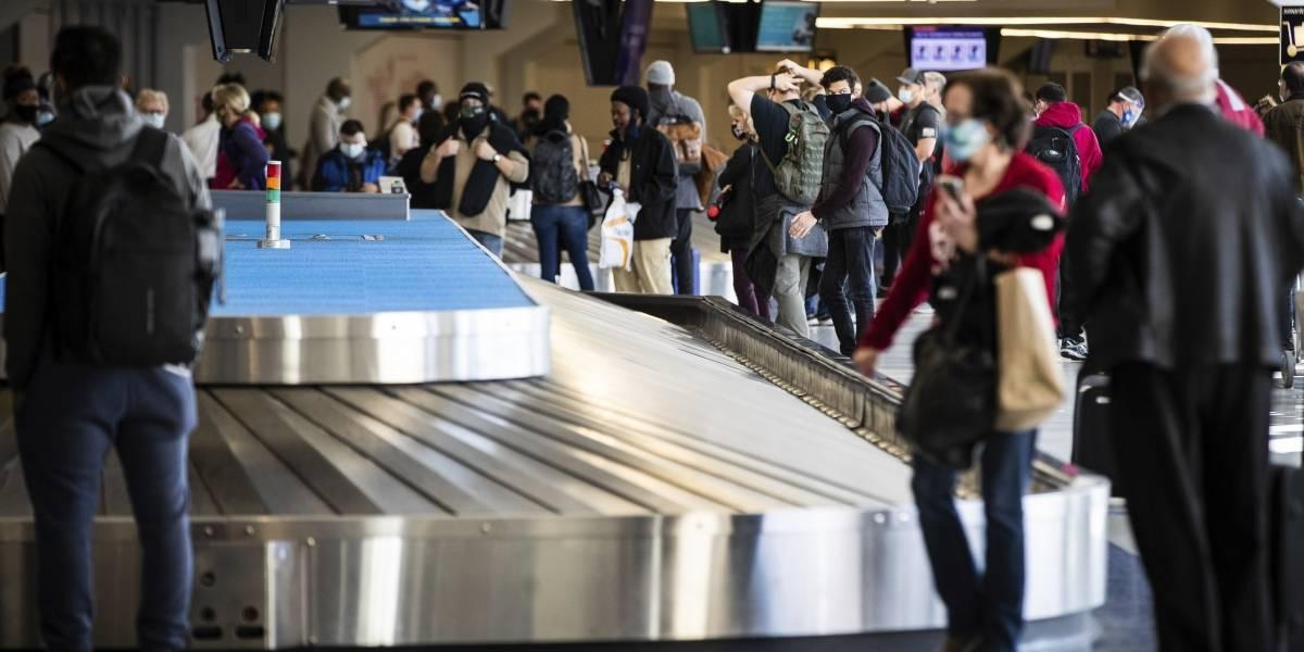 Unas 1.28 millones de personas en Estados Unidos viajaron en avión el domingo