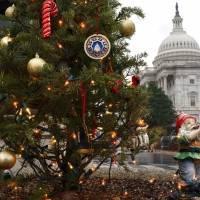El Congreso de EEUU concluye sesión caótica como pocas