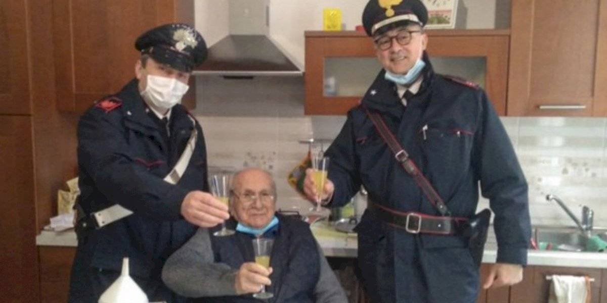 La tierna llamada de adulto mayor a policía italiana en Navidad: no quería estar solo