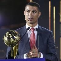Cristiano Ronaldo extraña los abucheos de la afición en los estadios