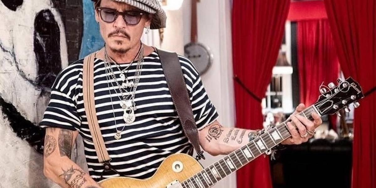 Johnny Depp reaparece y envía un mensaje de Año Nuevo a sus fans