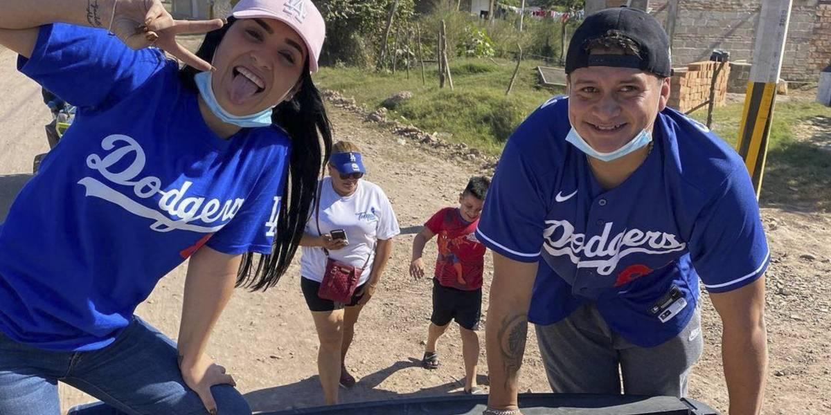 El pelotero Víctor González se vuelve Papá Noel por un día