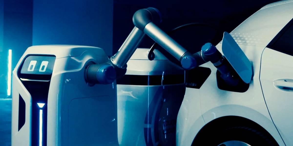 Este robot de Volkswagen cargará tu auto eléctrico por ti en estacionamientos