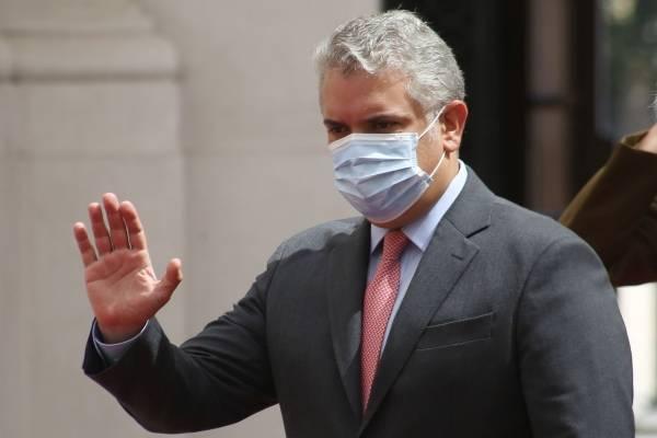"""""""Estaremos cerrando los contratos en los próximos días"""", dice presidente Duque sobre vacunas"""
