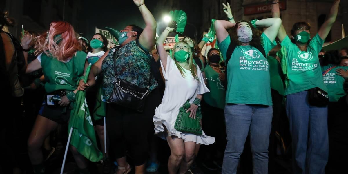 Legalización del aborto en Argentina relanza el tema en Chile