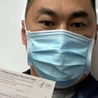 Un enfermero de California contrae COVID-19 días después de recibir la vacuna de Pfizer