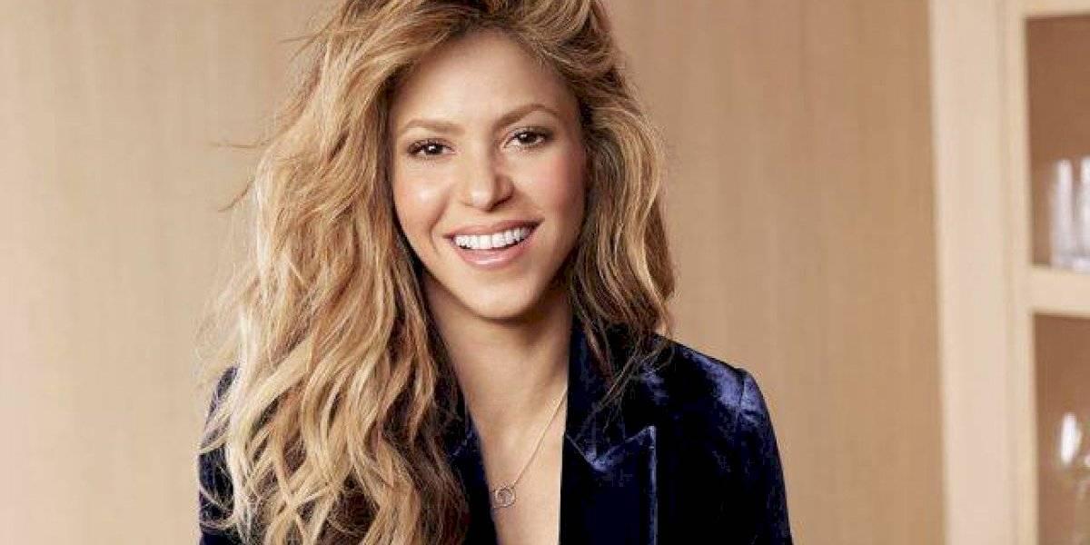 Shakira busca fondos para su fundación con un concurso el cual tiene como premio una cena con ella y Piqué