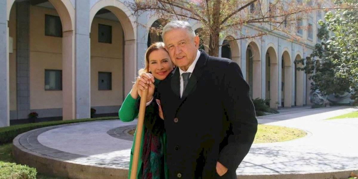 """AMLO y Beatriz Gutiérrez confían que en 2021 """"nos va a ir mejor a todos"""""""