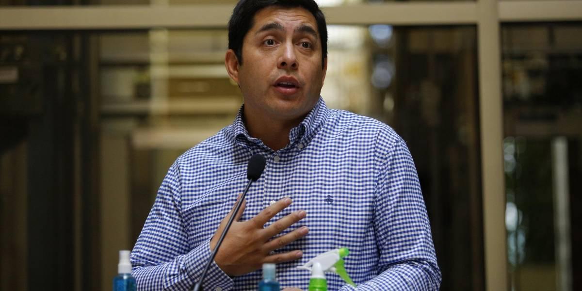 En medio de discusión apuñalan a papá del diputado Jorge Durán en Pudahuel
