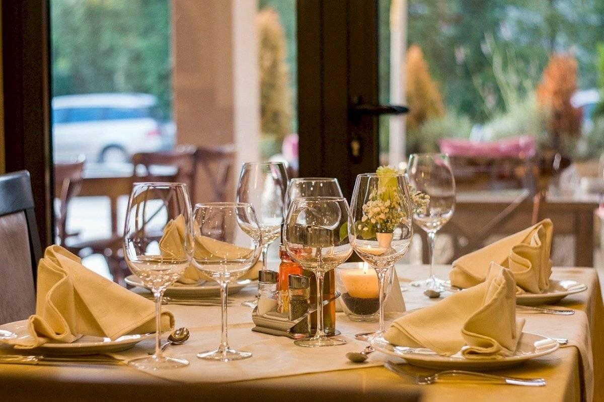El cristal se impone, como tendencia, en la coctelería y la decoración para año nuevo.