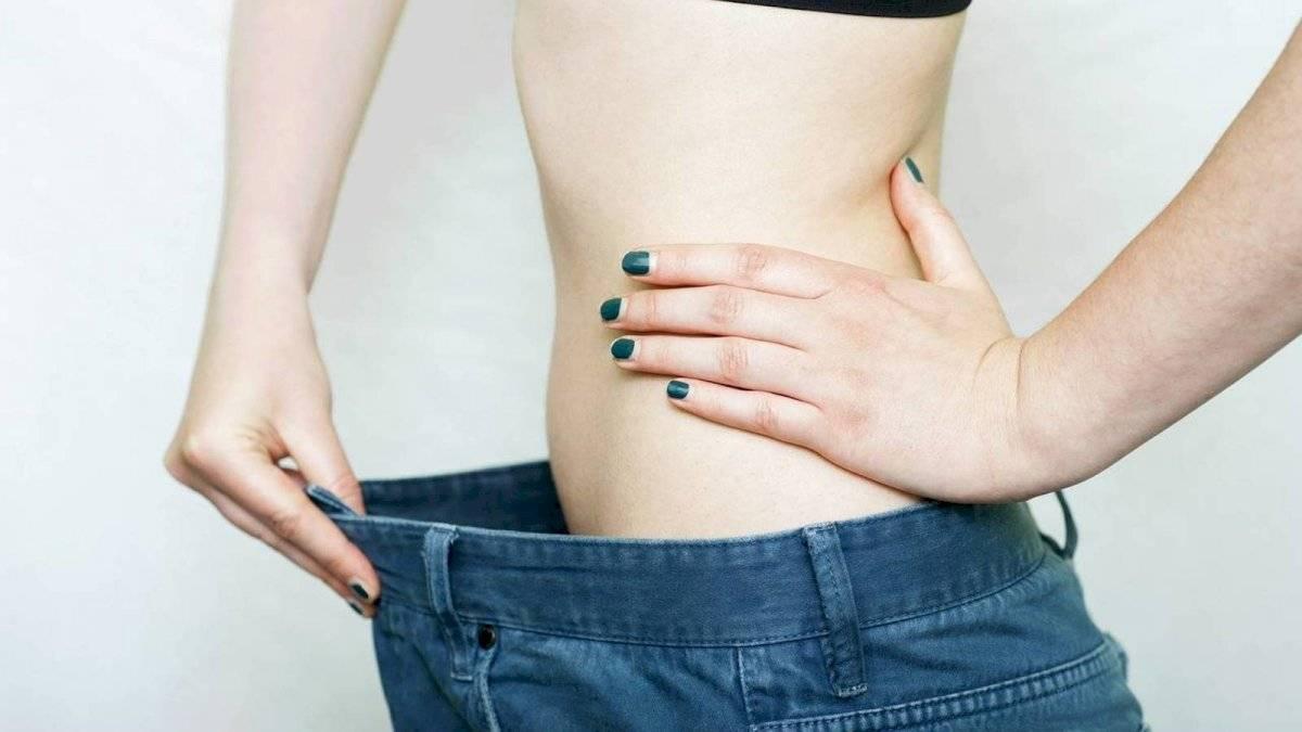 La madre después del parto debe comer solo alimentos balanceados. Esto te permitirá reducir la talla.