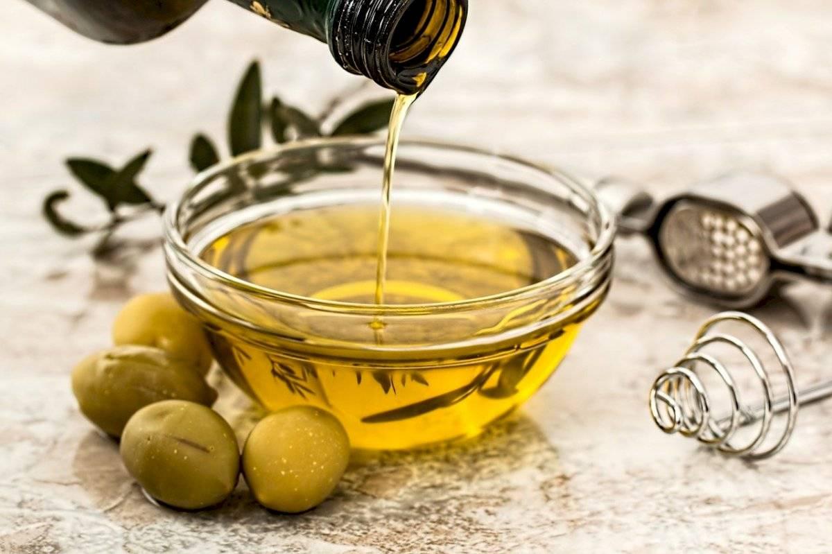 Si eres adicta a las ensaladas puede usar como ingrediente alterno el aceite de oliva crudo, un antioxidante excelente.