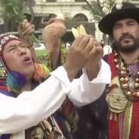 Chamanes peruanos realizan ritual y predicciones para el 2021