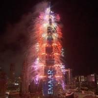Con pirotecnia y luces así se recibió el 2021 Dubái